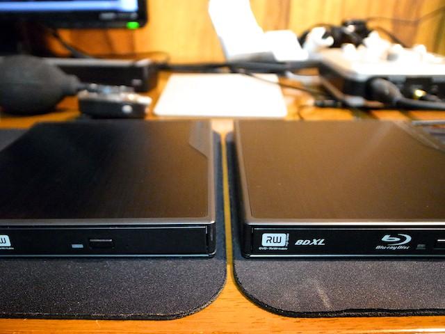 Logitec Blu-rayドライブとDVDドライブ